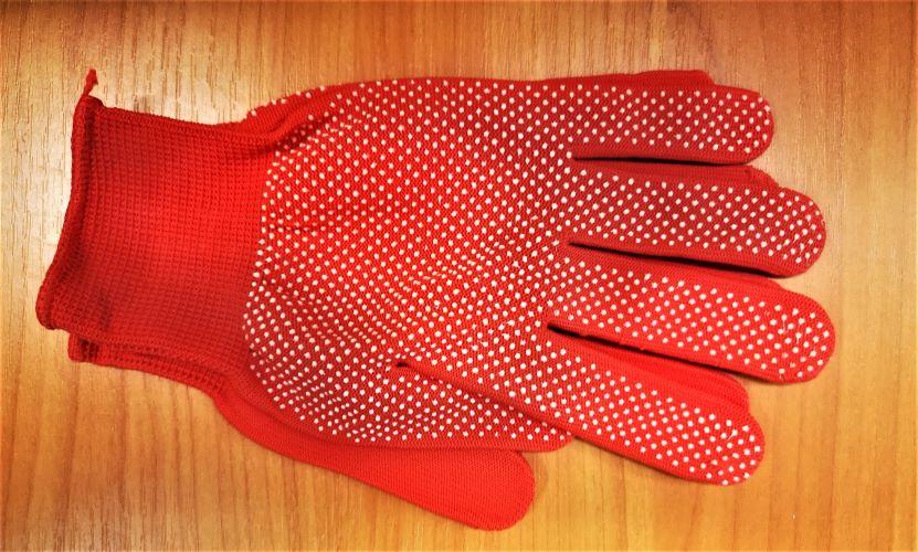 Pirštinės megztos plonos nailoninės su žirneliais 8 dydis